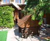 Продам в центре Алушты мини - гостиницу